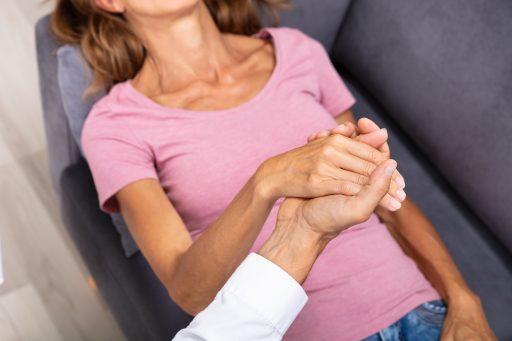 Hand vast houden